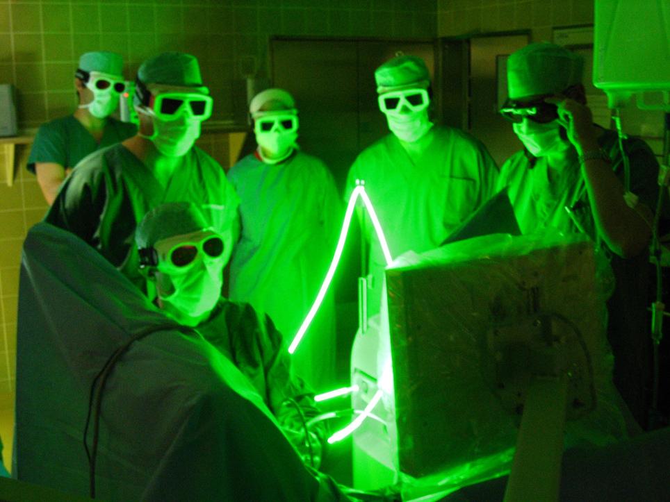 http://borelliurologia.com.br/wp-content/uploads/2015/12/09-09-green_light_laser.jpg